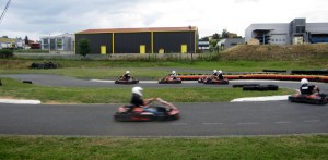 idee-enterrement-vie-garcon-lyon-karting-bully