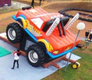 Munster truck gonflable pour enfants