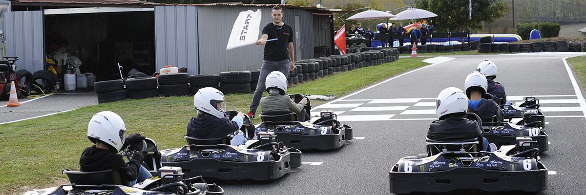 circuit karting lyon pilotes de karts en piste